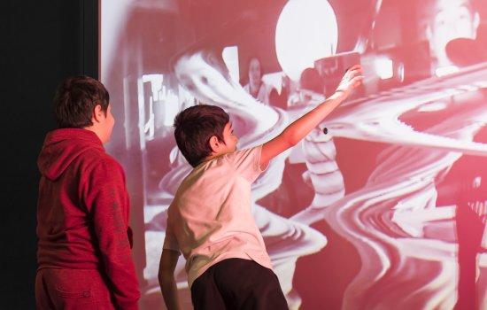 Children in Wonderlab