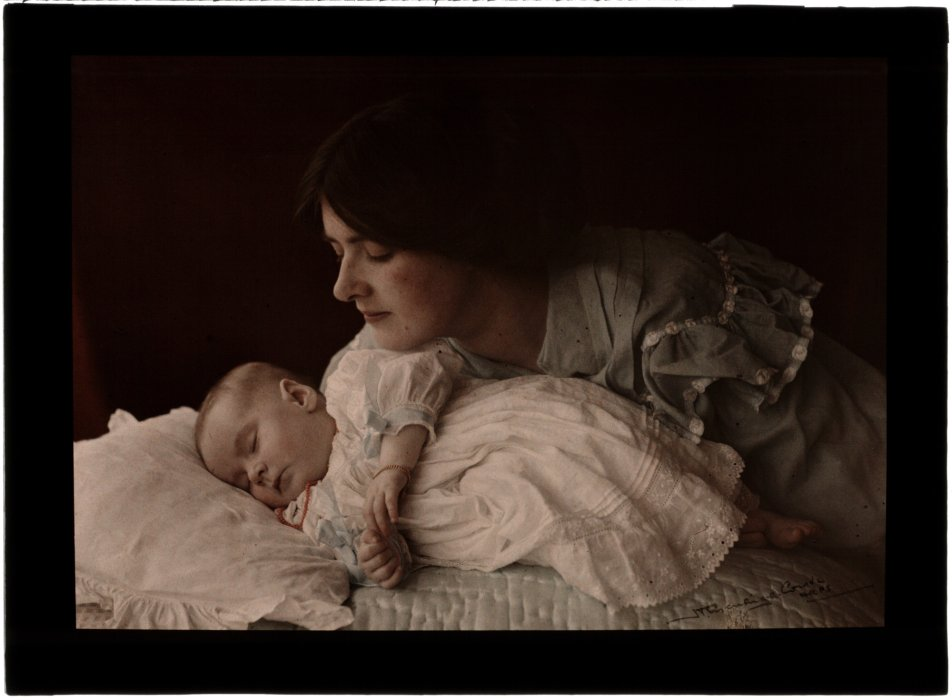 Mother and Child, c.1910, Henry Essenhigh Corke © Science Museum Group collection