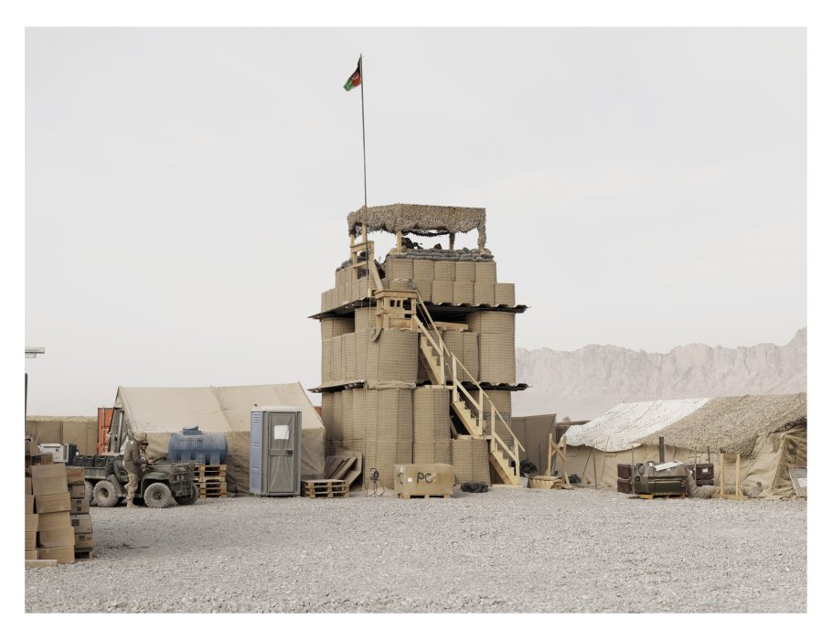Watchtower, Combat Operating Post, Folad, Kandahar Province, Afghanistan, 2011 © Donovan Wylie/Magnum