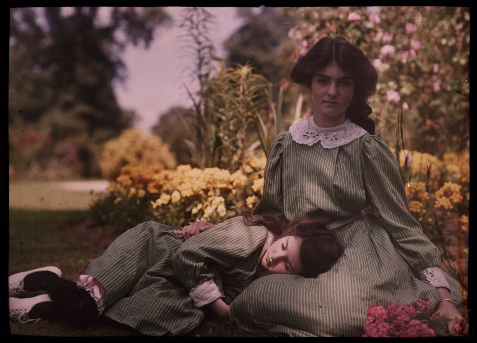 Iris and Janet, c.1914, Etheldreda Janet Laing © Science Museum Group collection