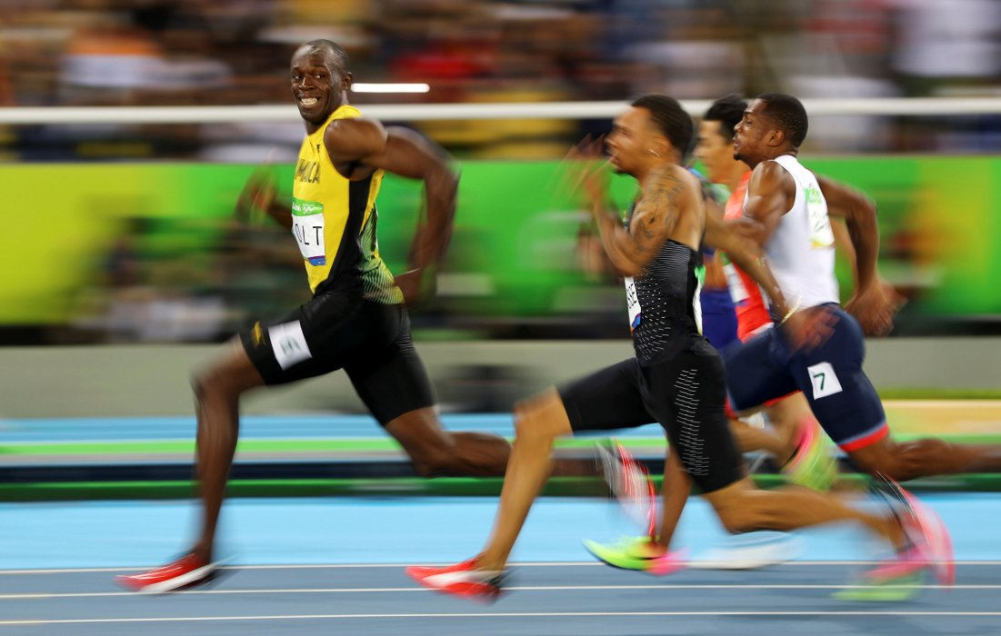 Usain Bolt cracks a smile at the 100m final of the 2016 Rio Olympics