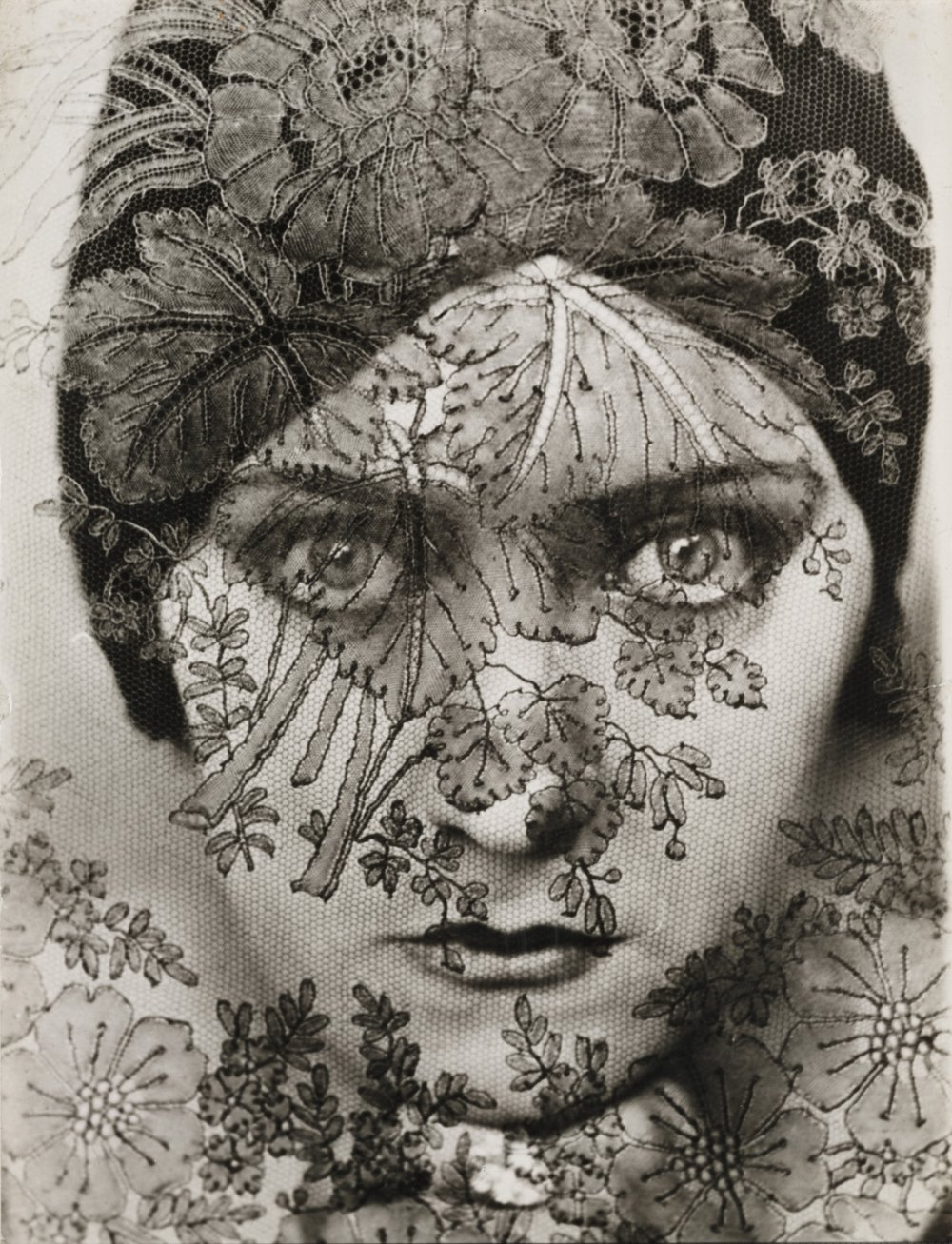 Gloria Swanson (lace), 1924, by Edward Steichen